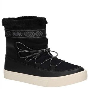 NEW Toms Alpine Suede Boots